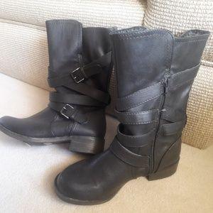 REPORT Jesslyn Black Boots